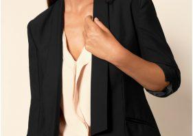 Smoking femme : optez pour cette tenue très sexy et glamour